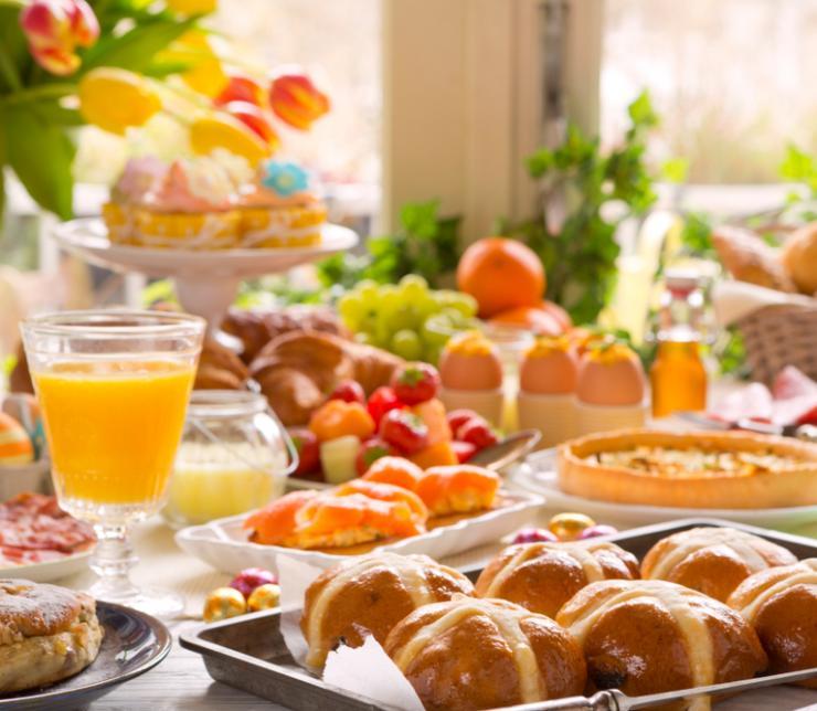 Desayuno y Almuerzo
