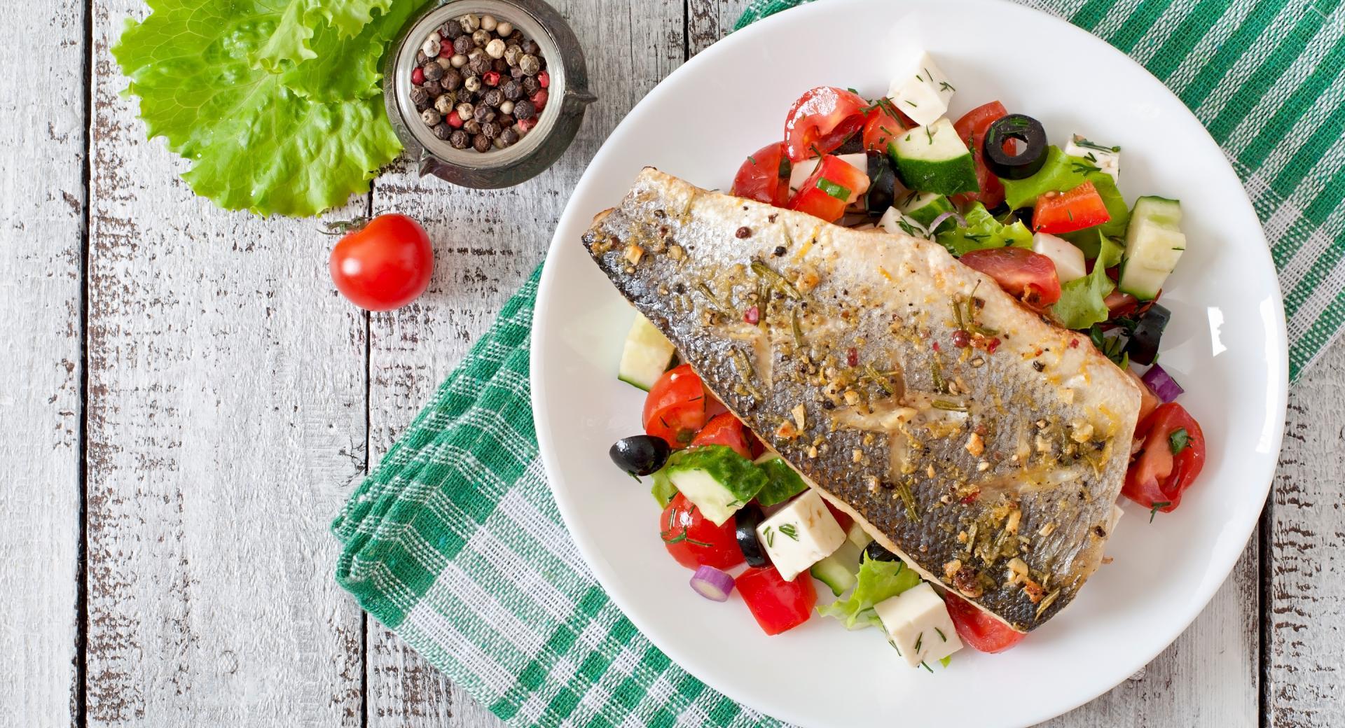 Filete de pescado con piel