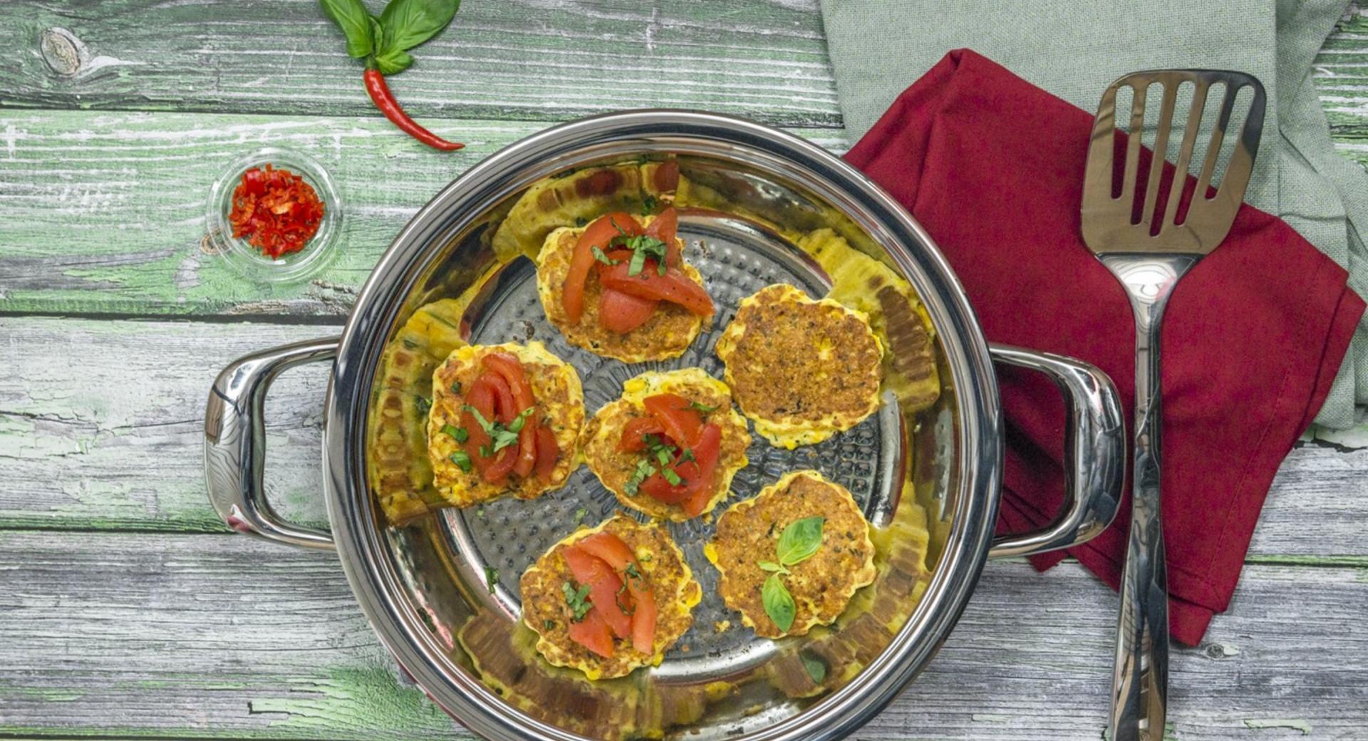 Tortas de maíz con tomate