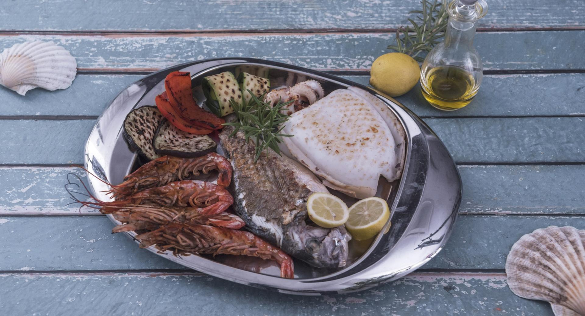 Parrillada de pescado y verduras