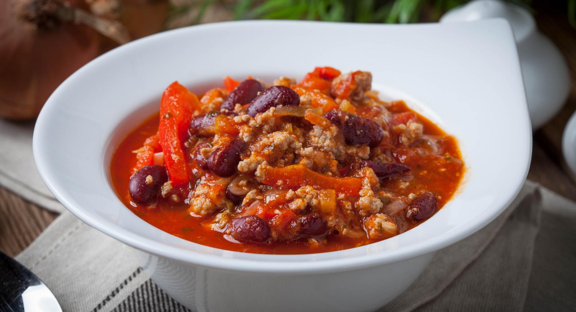 Sopa de carne y alubias