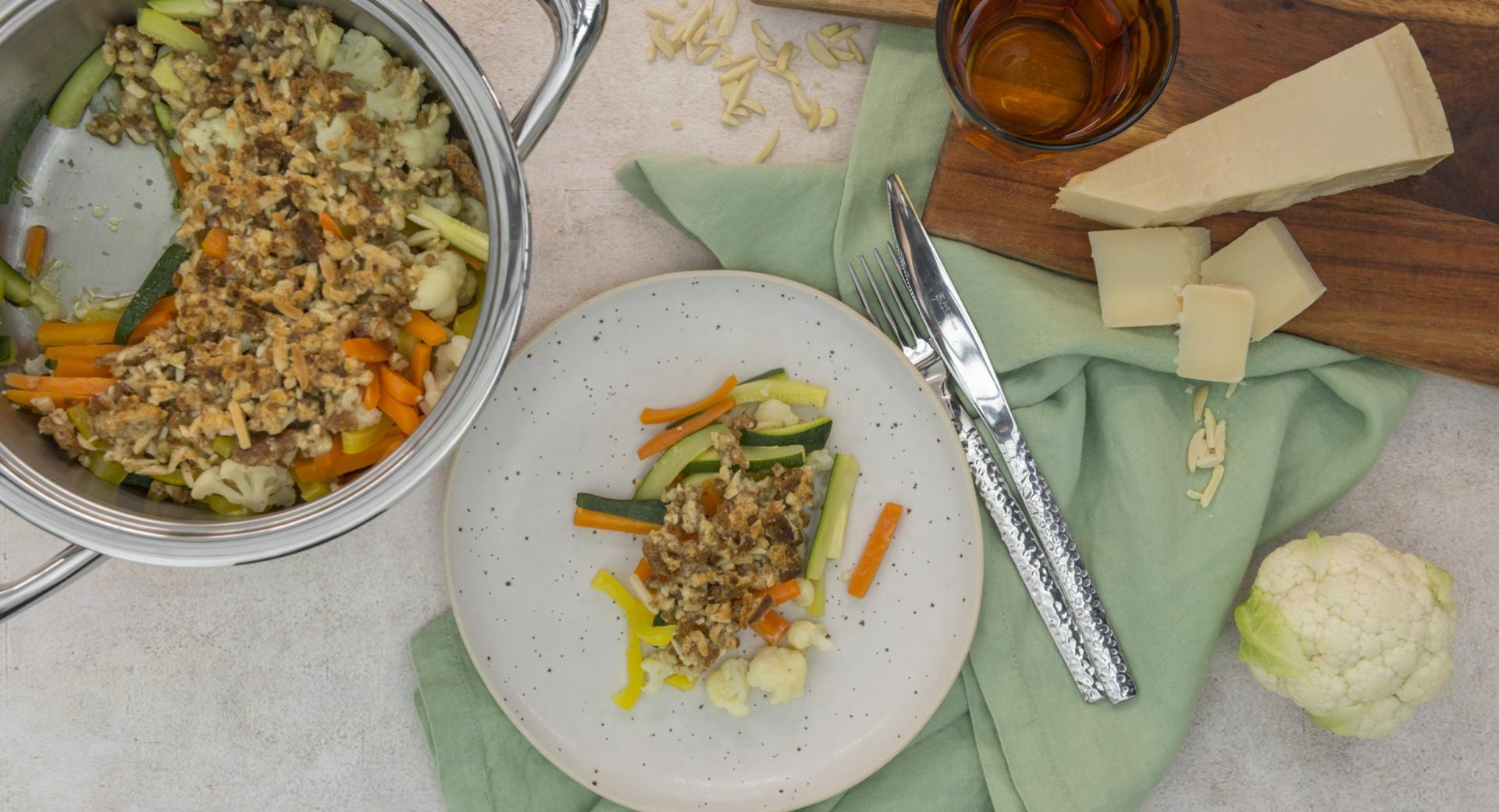 Verduras con corteza de queso crujiente