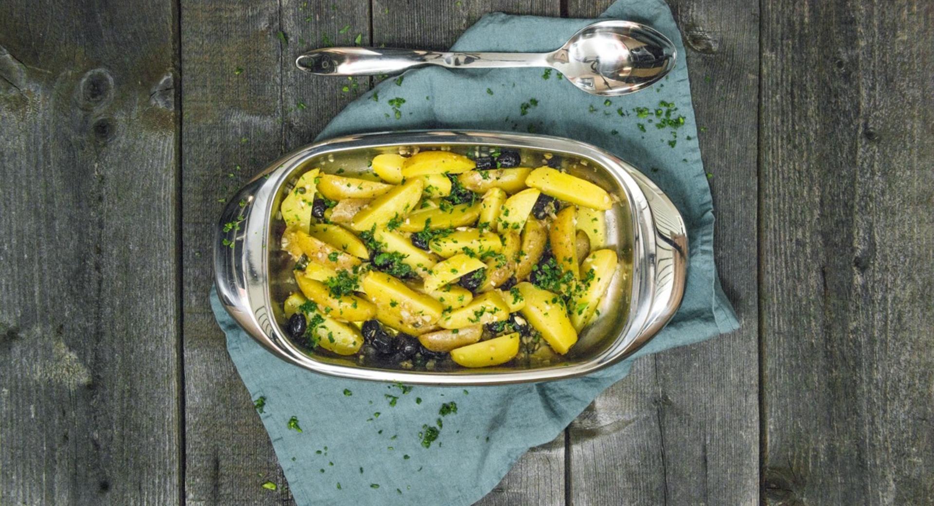 Ensalada de patatas y olivas
