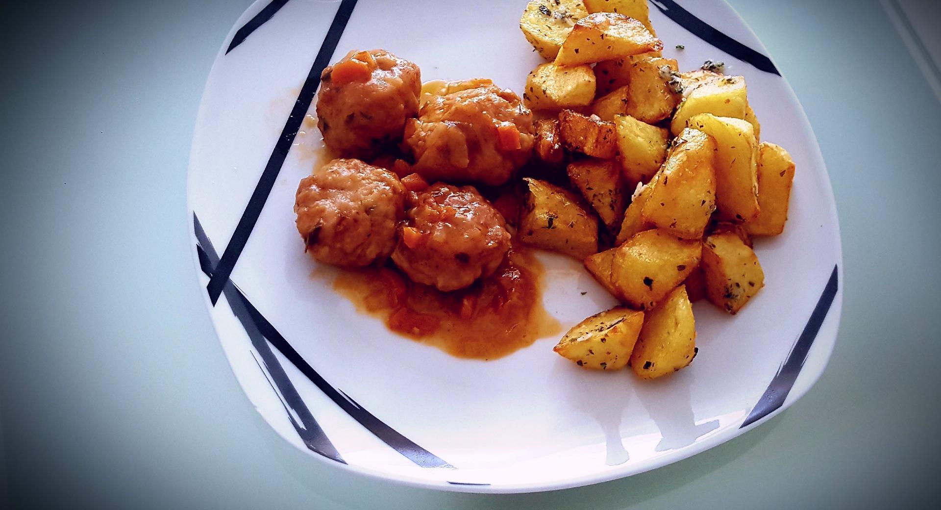 patatas fritas al ajo y provenzal