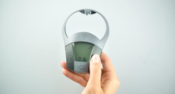 Encender el Avisador (Audiotherm) con el botón derecho o izquierdo e introducir 4 minutos de tiempo de cocción