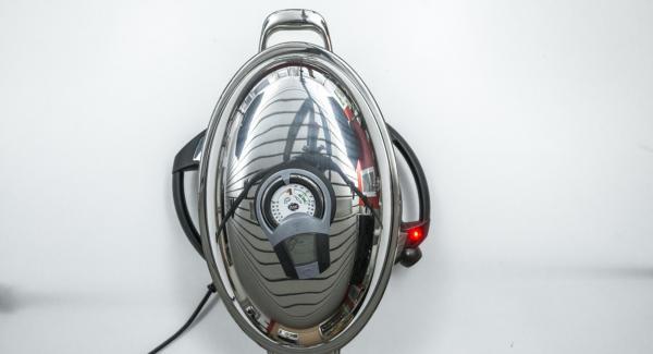 """Cuando el Avisador (Audiotherm) emita un pitido al llegar a la ventana de """"chuleta"""", bajar temperatura de Navigenio (nivel 2) e introduir el solomillo. Tapar. Volver a colocar el Avisador (Audiotherm) en el pomo (Visiotherm) y girar hasta que se muestre el símbolo de """"chuleta""""."""