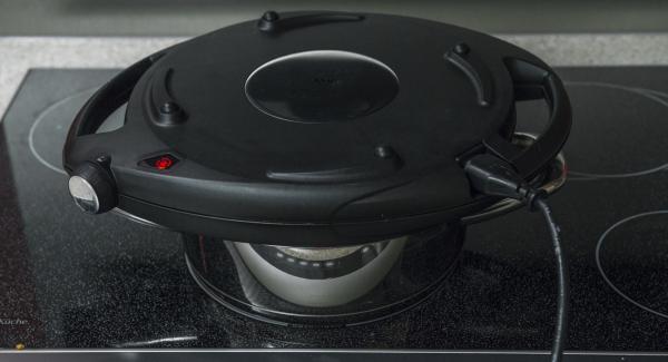 Apagar Navigenio y la placa de cocción. Acabar de hornear con el calor residual durante unos 10 minutos.