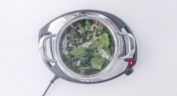 """Cuando el Avisador (Audiotherm) emita un pitido al llegar a la ventana de """"chuleta"""", apagar, retirar la olla del fuego y añadir en orden: Espinacas, pasas y piñones. Remover hasta cocinar."""
