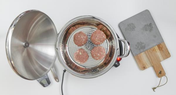 Colocar una olla en el Navigenio a temperatura máxima.