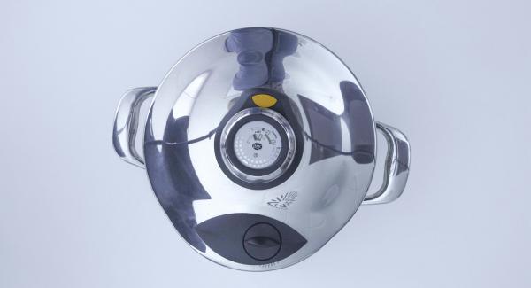 Cuando el Avisador (Audiotherm) emita un pitido al finalizar el tiempo de cocción, apagar el fuego, colocar la olla con la Tapa Rápida (Secuquick Softline) en una superficie resistente al calor y dejar despresurizar.