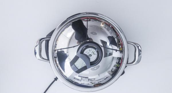 """Seleccionar la función (A) en el Navigenio.  Introducir 15 minutos de tiempo de cocción en el Avisador (Audiotherm) y girar hasta que aparezca el símbolo de """"zanahoria""""."""