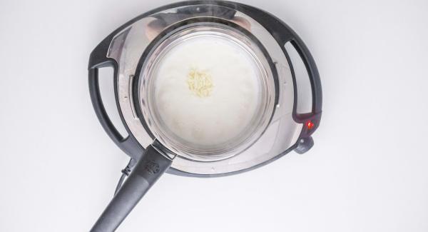 Apagar el Navigenio y añadir el queso sin dejar de remover. Rectificar de sal y listo.