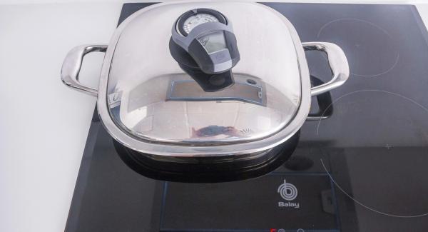 """Colocar el Arondo en el fuego a temperatura alta. Encender el Avisador (Audiotherm), colocarlo en el pomo (Visiotherm) y girar hasta que se muestre el símbolo de """"chuleta""""."""