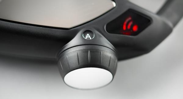 """Colocar la olla en el Navigenio a temperatura máxima (nivel 6). Encender el Avisador (Audiotherm), colocarlo en el pomo (Visiotherm) y girar hasta que se muestre el símbolo de """"chuleta""""."""