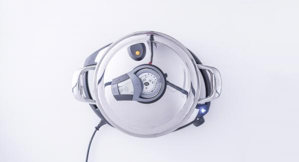 """Colocar la olla en el Navigenio y seleccionar la función (A), encender el Avisador (Audiotherm), introducir 5 minutos de tiempo de cocción. Colocarlo en el pomo (Visiotherm) y girar hasta que aparezca el símbolo de """"vapor""""."""