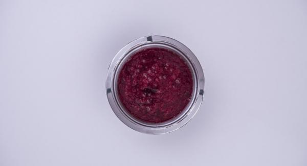 Verter la mezcla en un bol y dejarla enfriar unos 20 minutos.