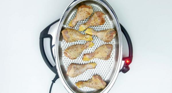"""Cuando el Avisador (Audiotherm) emita un pitido al llegar a la ventana de """"chuleta"""", colocar los muslos de pollo. Y esperar a que se alcancen los 90º."""