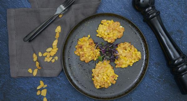 Poner otras 4 porciones en la olla y hornear como hemos hecho anteriormente. Aumentar el tiempo de horneado si es necesario.
