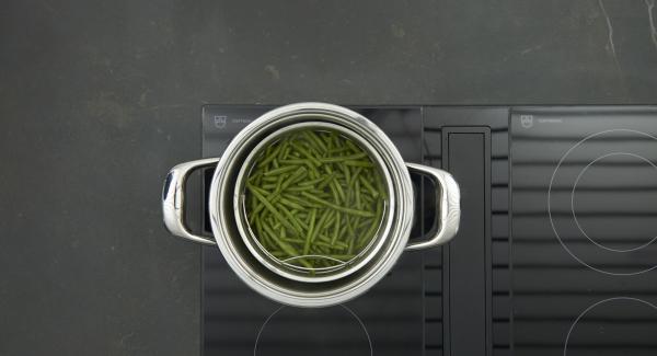 Al finalizar el tiempo de cocción, despresurizar la Tapa Rápida (Secuquick Softline) pulsando el botón amarillo y retirar la Softiera.