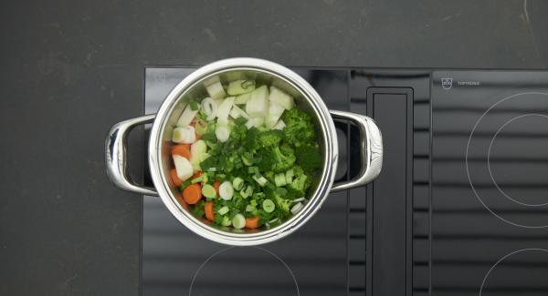 """Cuando el Avisador emita un pitido al llegar a la ventana """"zanahoria"""", bajar temperatura y cocinar hasta el final."""