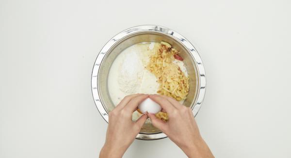 Mezclar todos los ingredientes hasta formar una masa y dejar reposar unos 30 minutos.