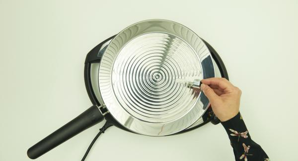 Colocar la oPan XL en el Navigenio a temperatura máxima nivel 6 hasta que alcance la temperatura ideal.
