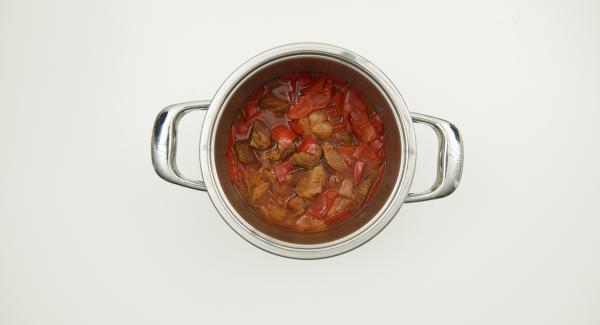 Retirar la Tapa Rápida, revolver y añadir al gusto un poco de harina de maíz para espesar, y sazonar al gusto.