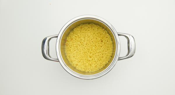 Retirar la Tapa Rápida, añadir el parmesano y dejar enfriar.