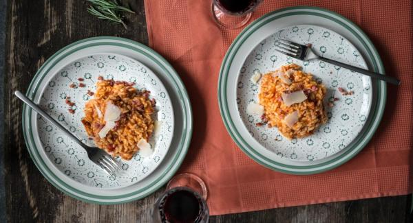 Risotto de tomate con bacon