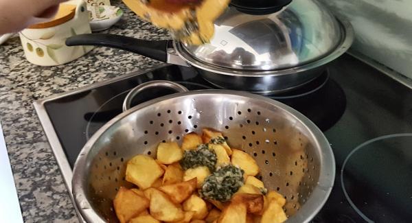 Sazonamos con sal y pimienta negra y servimos en platos untadas con el majado provenzal.