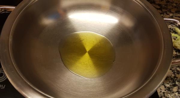Ponemos en la SABOR 2 cucharadas de aceite en frio