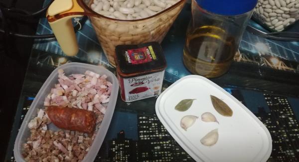 Picar jamón ,chorizo y beicon