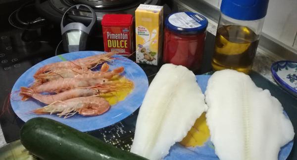 Preparar todos ingredientes, el calabacin los langostinos,el lenguado,